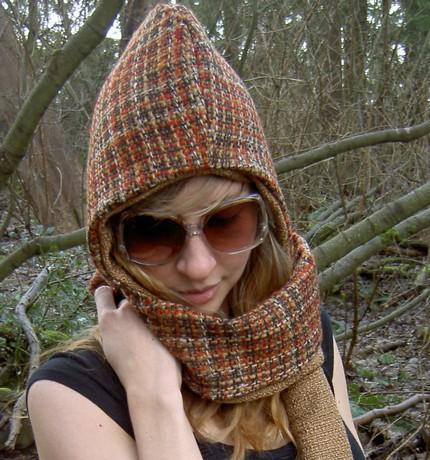 It#39;s a hood! It#39;s a scarf!