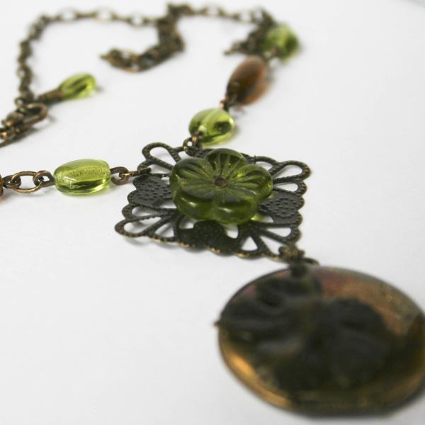 green-flower-locket-1