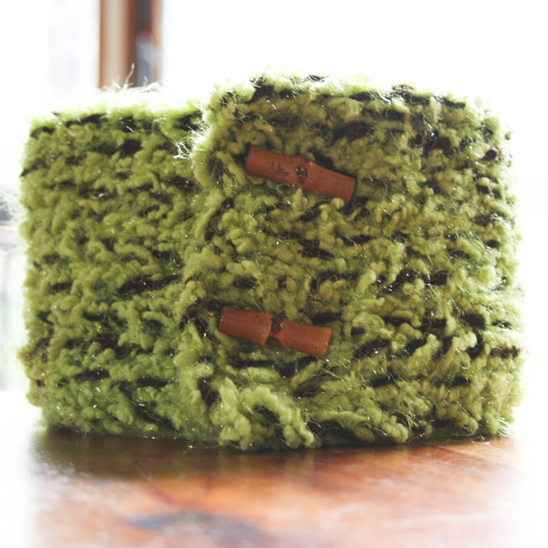 green-neckwarmer