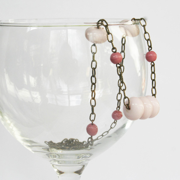 etsy-vintage-pink-glass-necklace