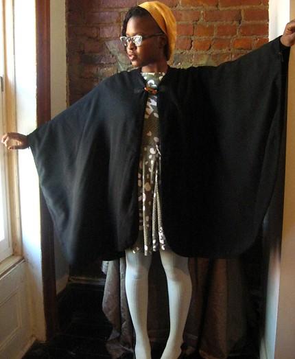 vintage-black-cape-one-size1