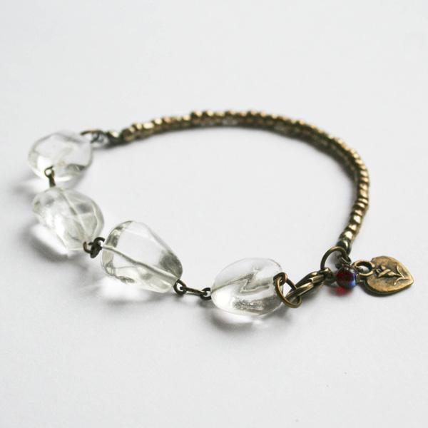 etys-crystal-quartz-bracelt