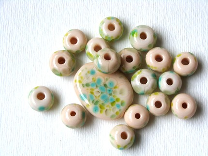 green-tea-and-ginger-a-set-of-lampwork-beads-plus-a-focal-bead