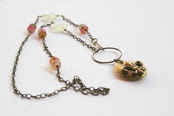 etsy-jade-fleur-locket