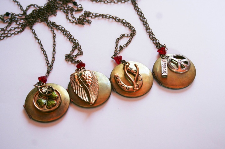 finished-custom-locket-necklaces1