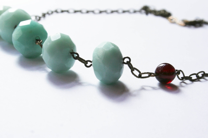 toothpaste-kisses-necklace-1